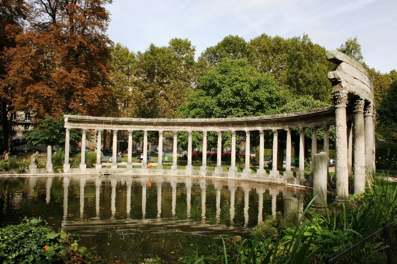 Parc Monceau, a park full of surprises