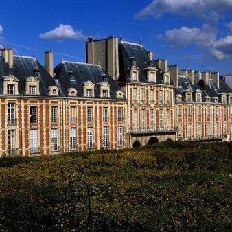 La place des Vosges par Esprit de France