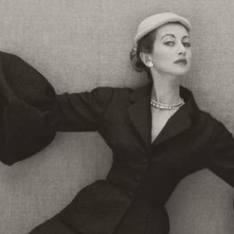 Balenciaga, working in black by Esprit de France