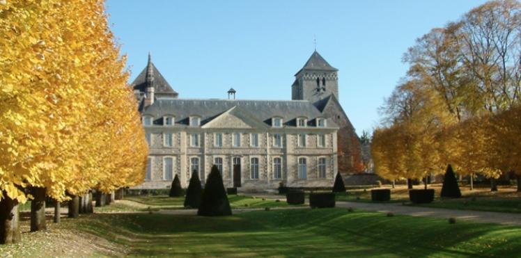 L'Abbaye de Solesmes proche du Château des Briottières