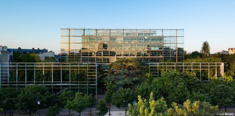 La Fondation Cartier pour l'art contemporain, à proximité de l'Hôtel Aiglon Paris