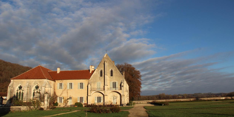 L'abbaye de Reigny de la collection Esprit de France