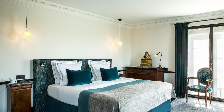hotel champs elysees paris hotel Brighton Paris
