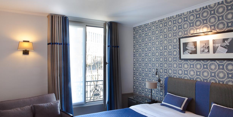 L'Hôtel Aiglon, situé dans le quartier de Montparnasse