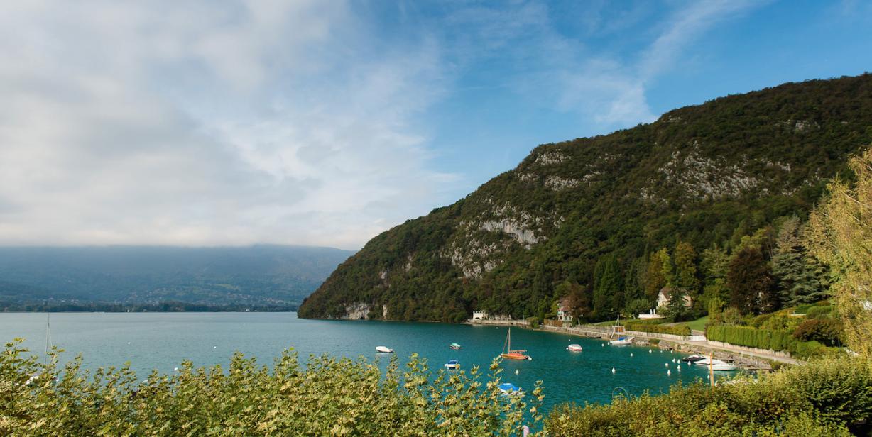 Abbaye de Thalloires vue lac d'Annecy par Esprit de France 2