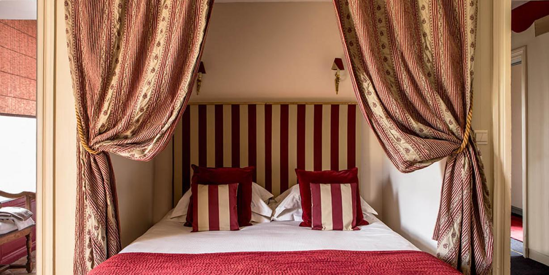Reserver dans un chateau Maine et Loire - Book in a castle Maine et Loire - Chateau des Briottieres
