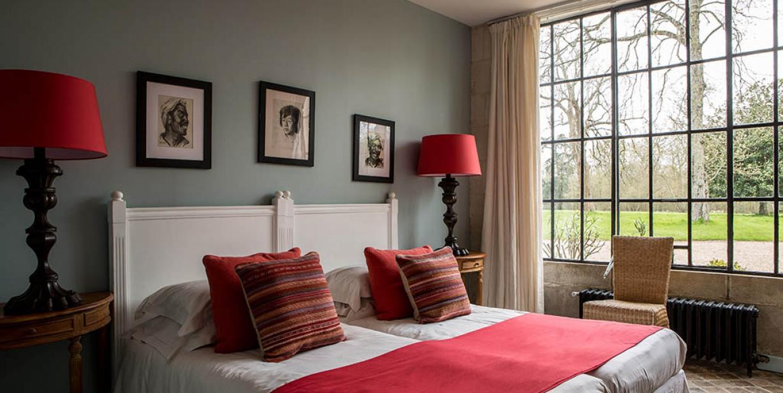 Chateau hotel de charme - Charming castle in Loire - Chateau des Briottieres